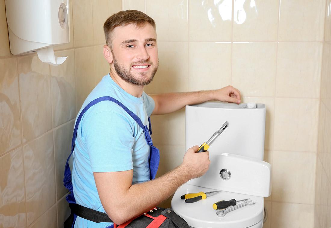 Remplacer des éléments des toilettes à Charlesbourg